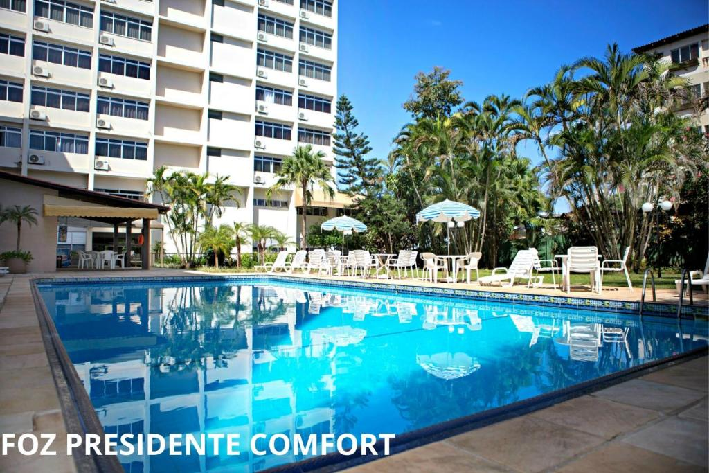 The swimming pool at or near Foz Presidente Comfort Hotel