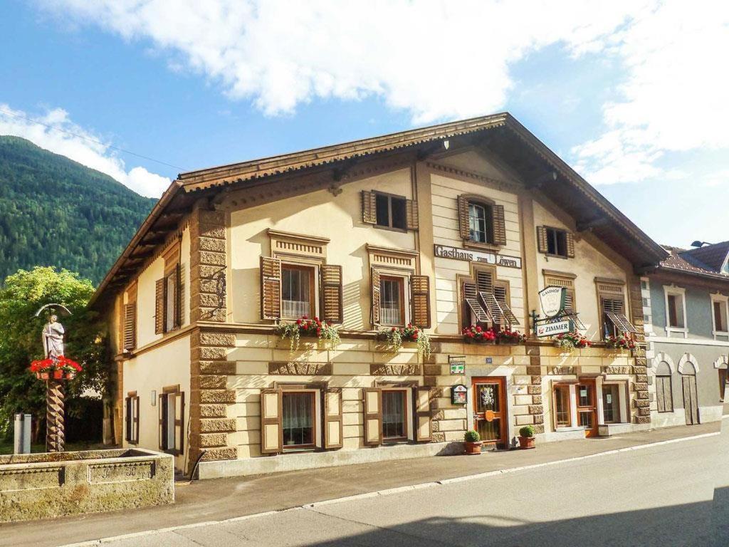 Hotel Garni Lowen Silz, Austria