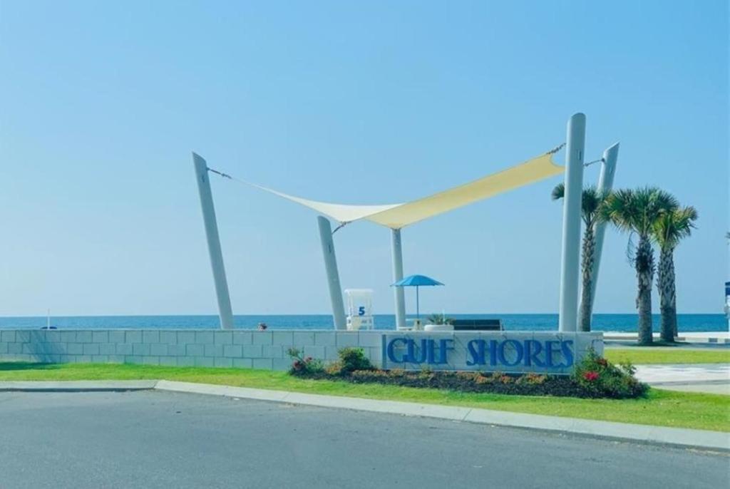 Direct Gulf Views with Deeded Beach Access (#17) - Sleeps 7
