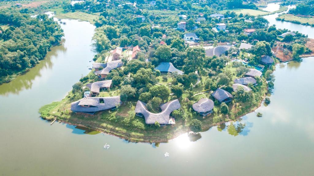 A bird's-eye view of Tomodachi Retreat - Làng Mít