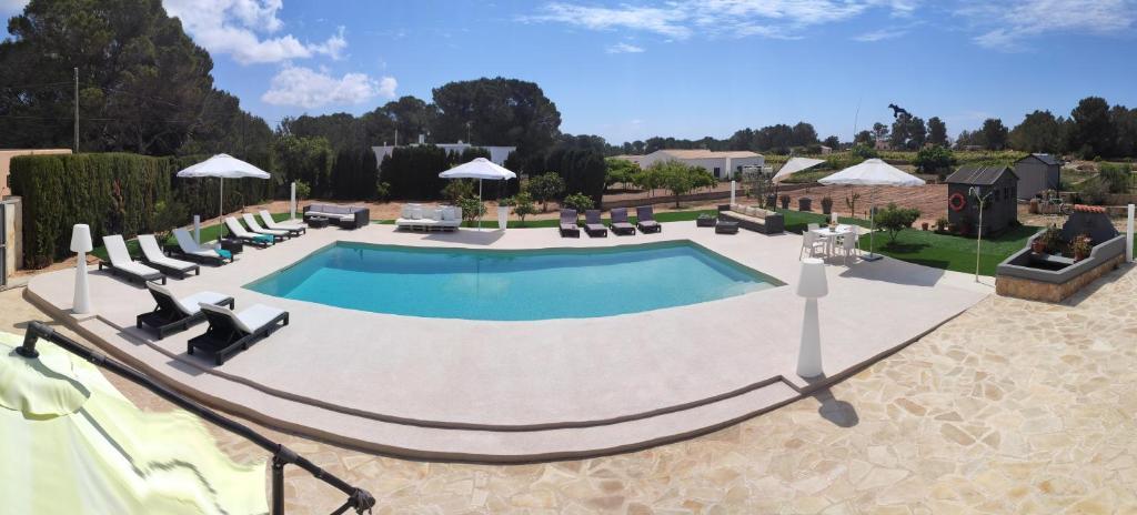 Vista de la piscina de MAR Y MONTAÑA FORMENTERA o alrededores