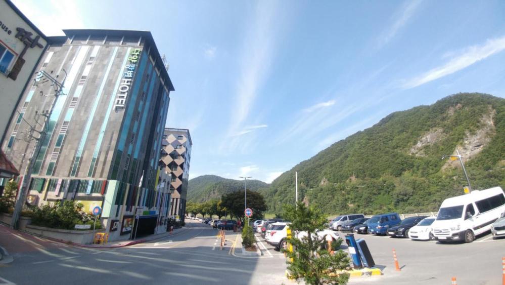 Danyang Riverside Hotel