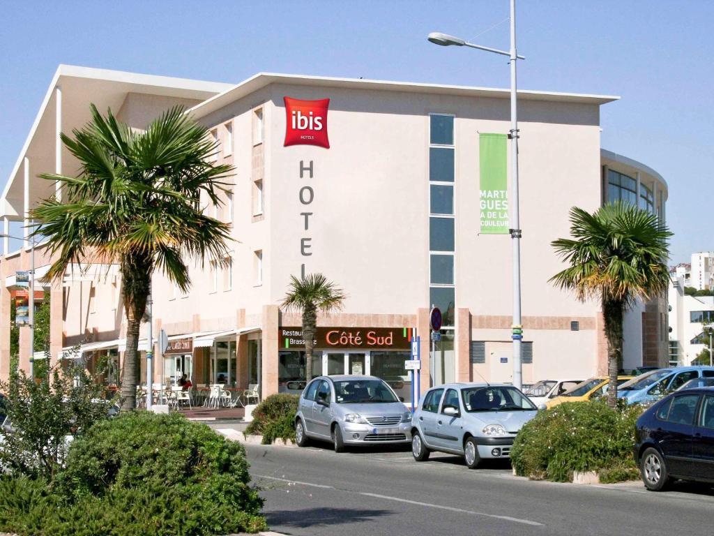 ibis Martigues Centre***