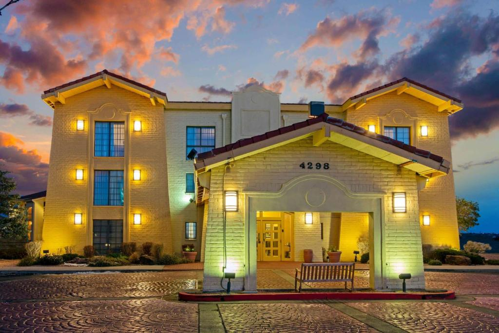 la quinta inn by wyndham santa fe santa fe updated 2020 prices la quinta inn by wyndham santa fe