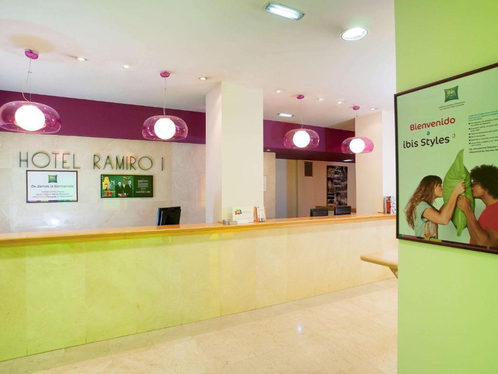The lobby or reception area at Ibis Styles Zaragoza Ramiro I