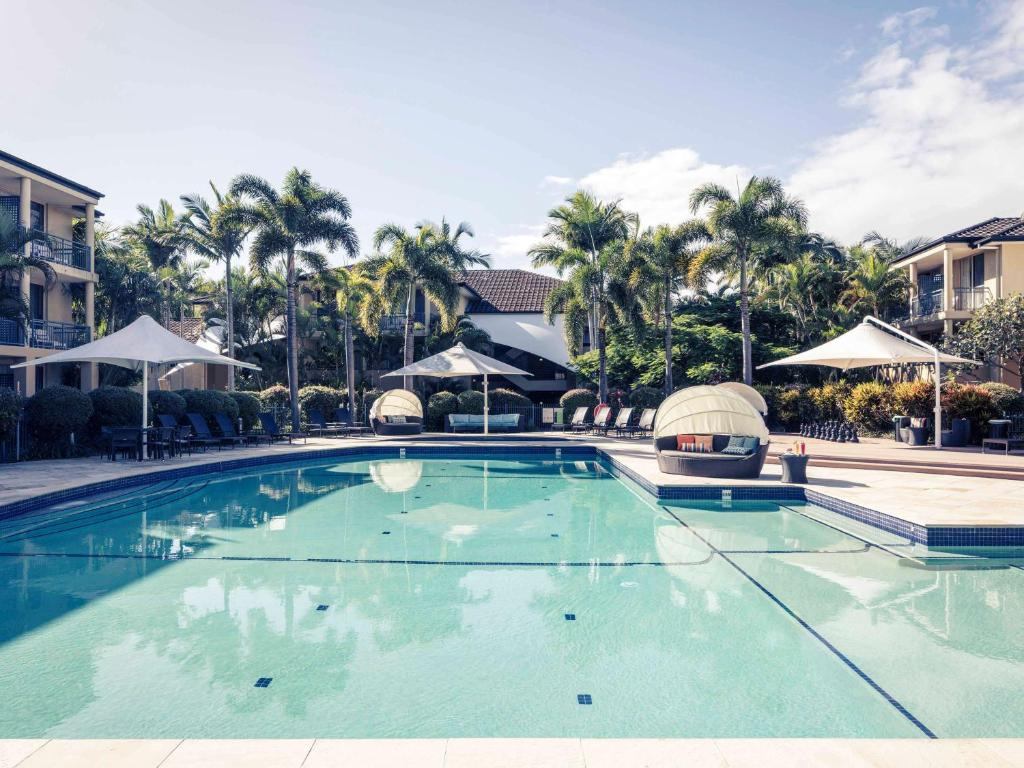 The swimming pool at or near Mercure Gold Coast Resort