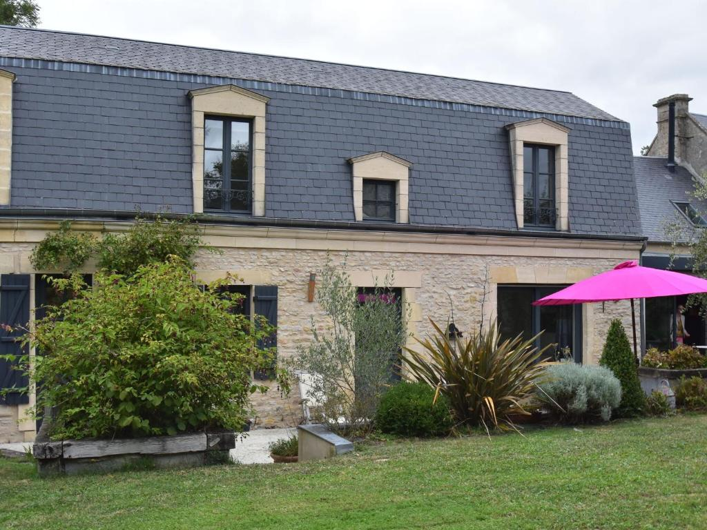 Luxury Holiday Home in Magny-en-Bessin with Garden