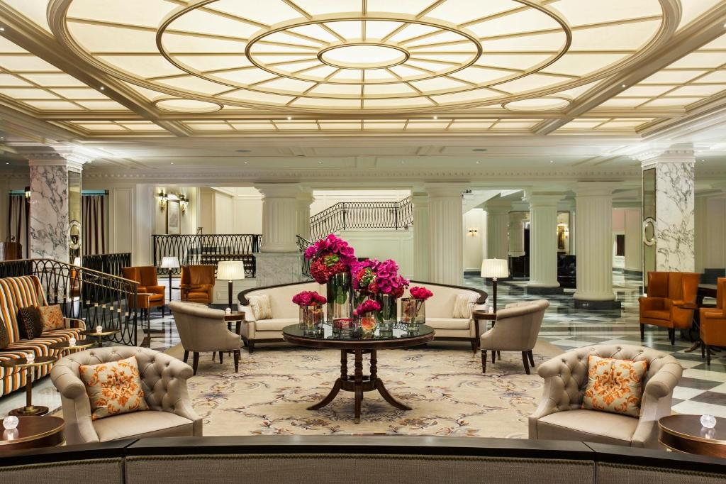 The lobby or reception area at InterContinental New York Barclay Hotel