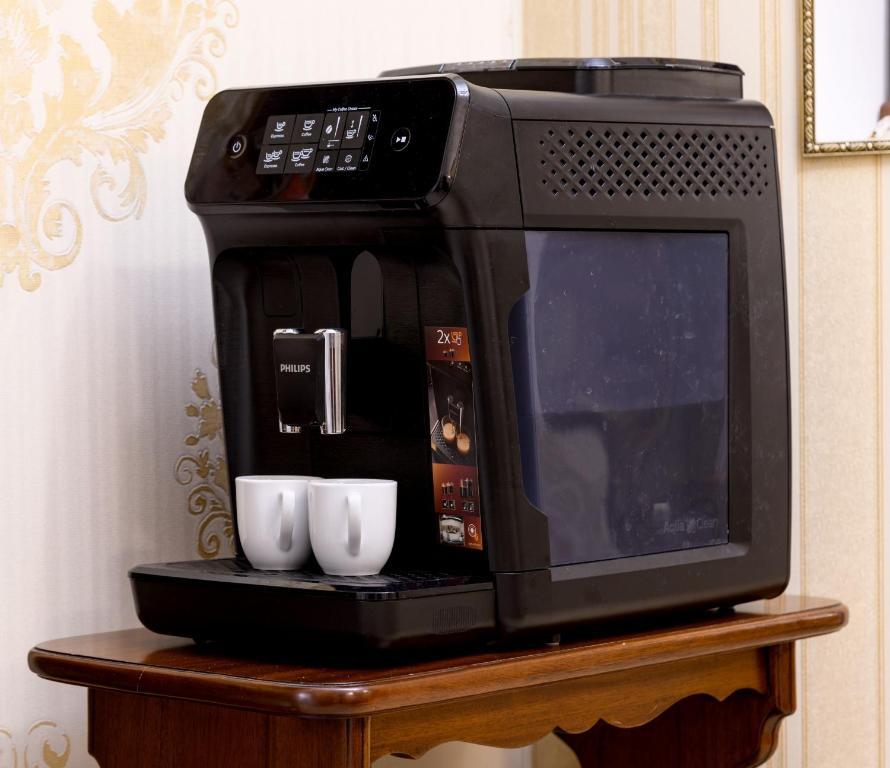 Coffee and tea-making facilities at Zolotoye Runo