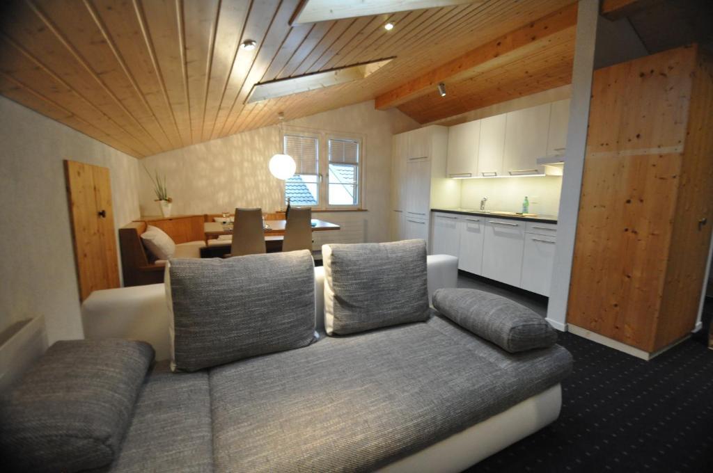 Ein Sitzbereich in der Unterkunft Destimotel