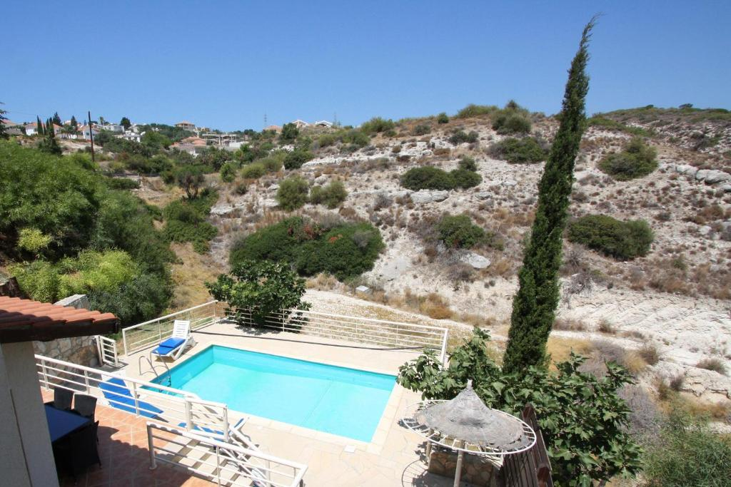 A view of the pool at Amoroza Villa or nearby