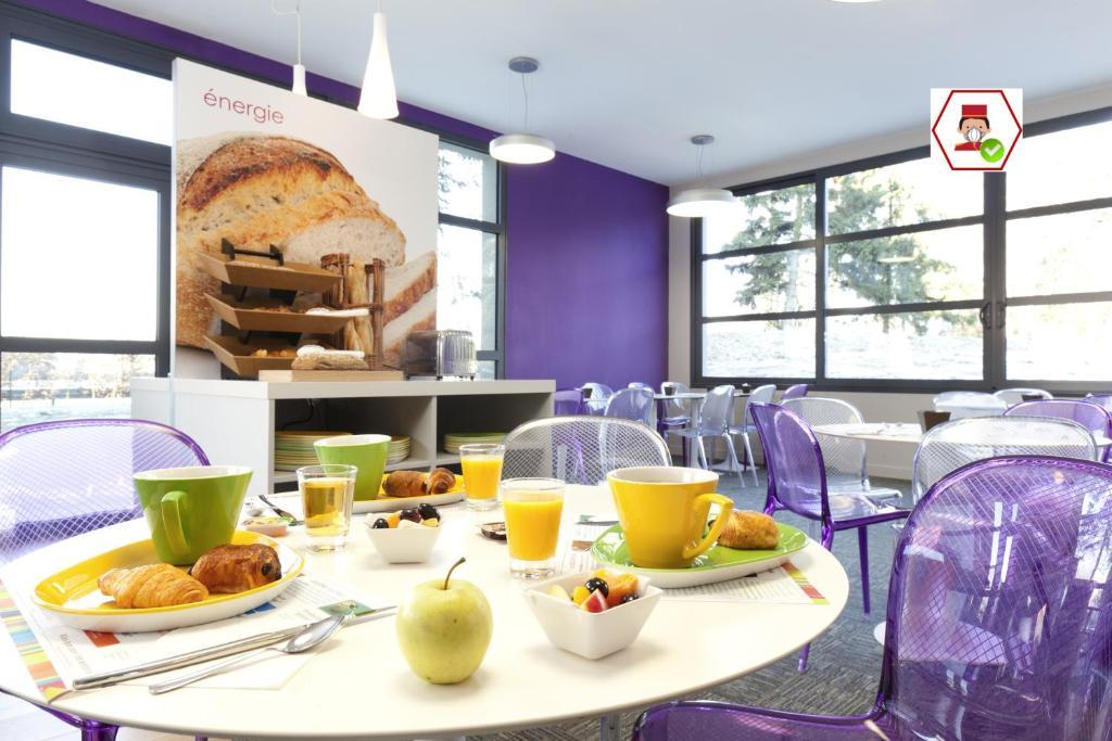 Options de petit-déjeuner proposées aux clients de l'établissement ibis Styles Lille Aéroport