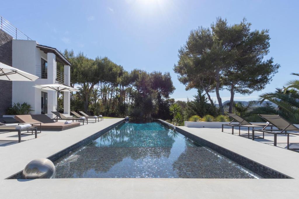 The Perfect Luxury Villa close to the Beach, Ibiza Villa 1044