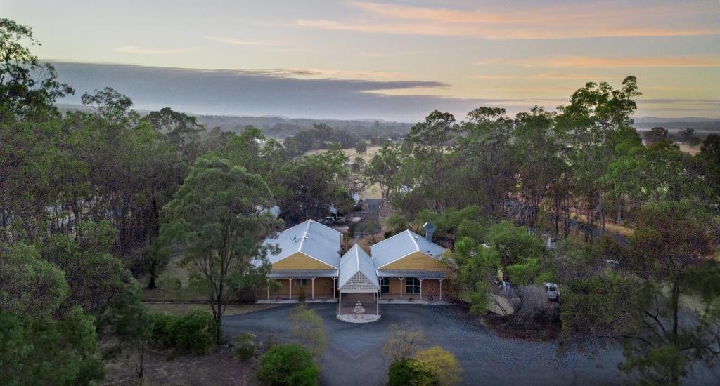 A bird's-eye view of Lockyer Motel