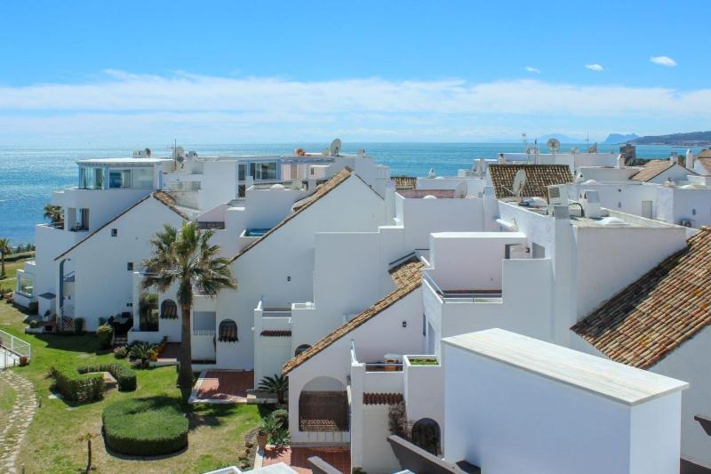 Casares Del Mar Luxury Apartments penthouse with beach access 17