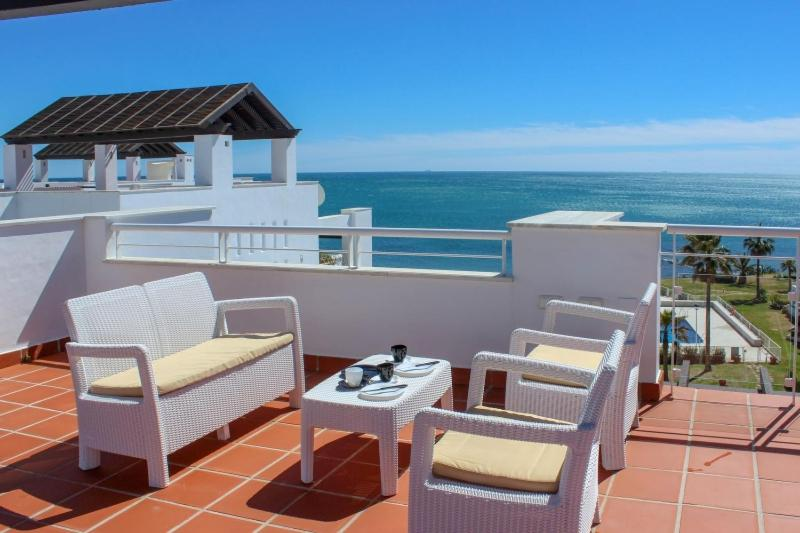 Casares Del Mar Luxury Apartments penthouse with beach access 19