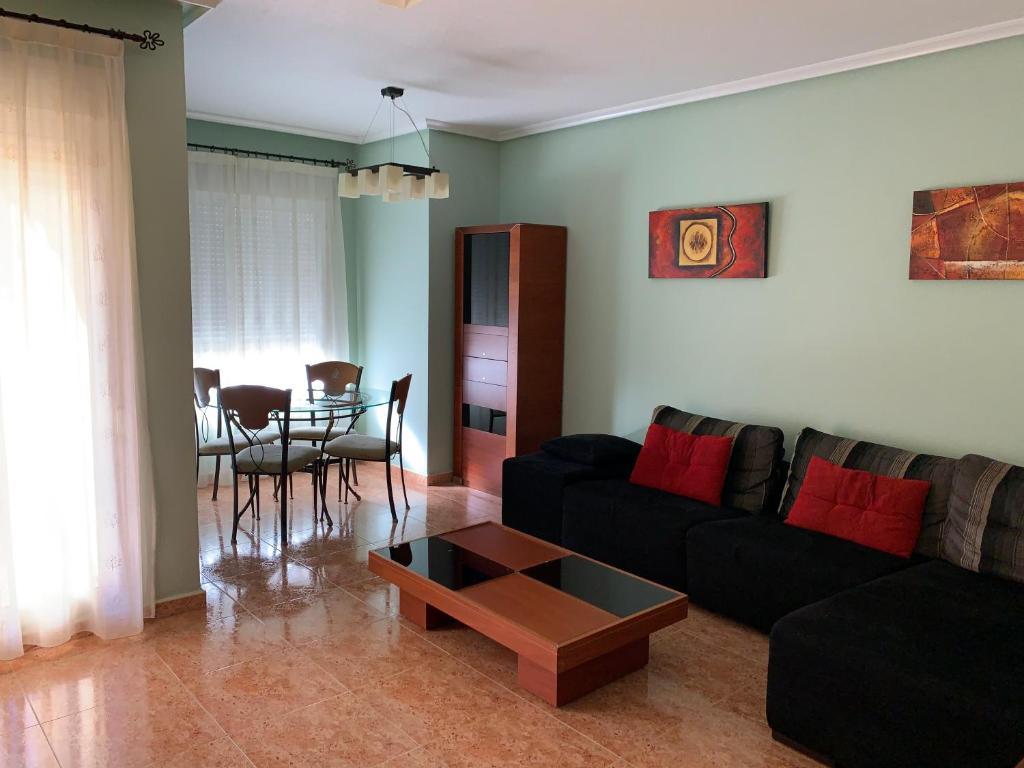 Zona de estar de Apartamento 3 habitaciones para 6 personas con calefacción central y wifi