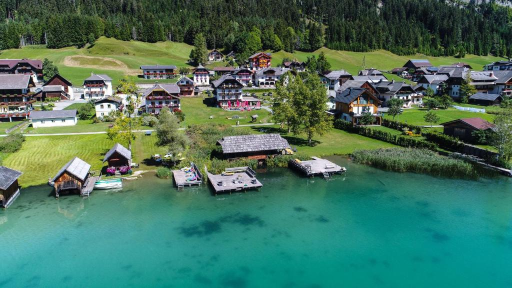See Hotel Karntnerhof- das Seehotel am Weissensee!