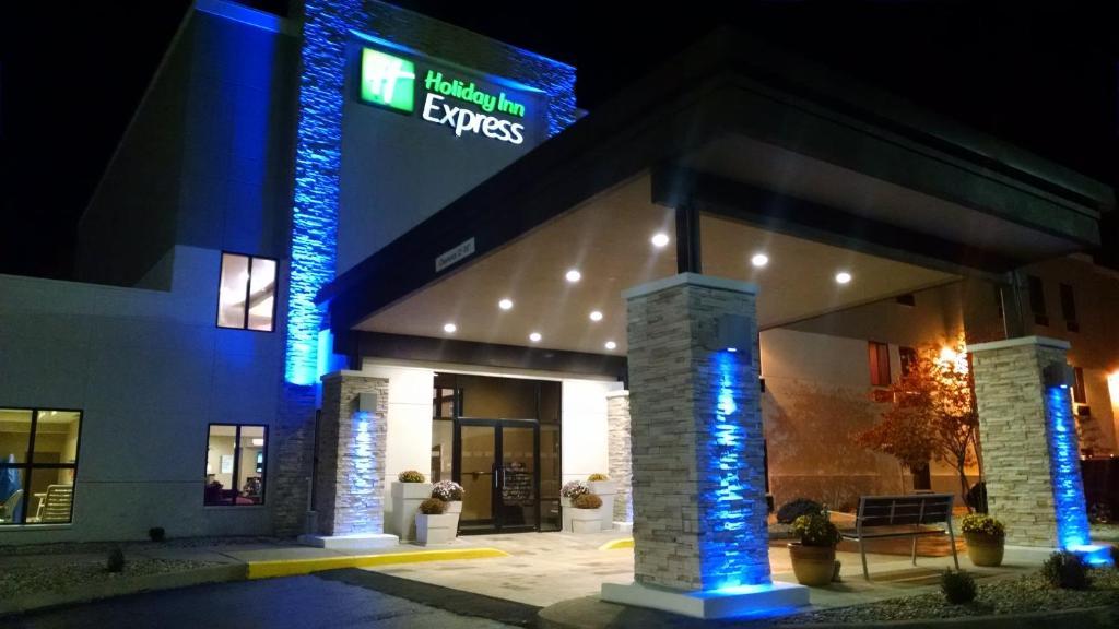 Holiday Inn Express Hotels Cloverdale (Greencastle)