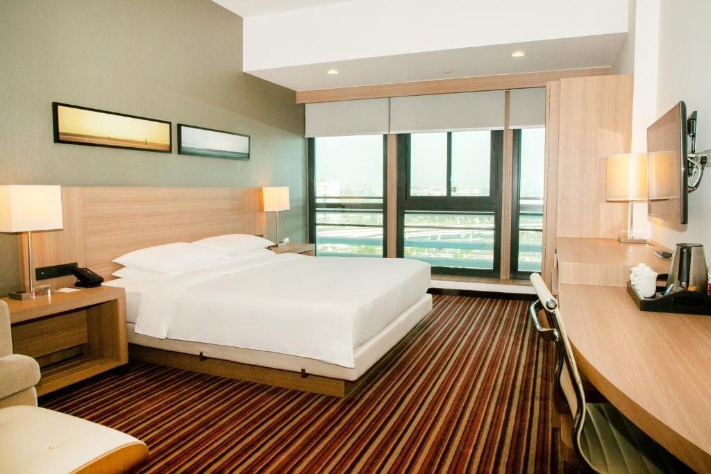 A room at the Hyatt Place Shenzhen Airport.