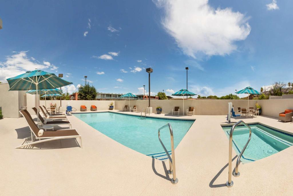 The swimming pool at or near Hyatt Place Tucson Central