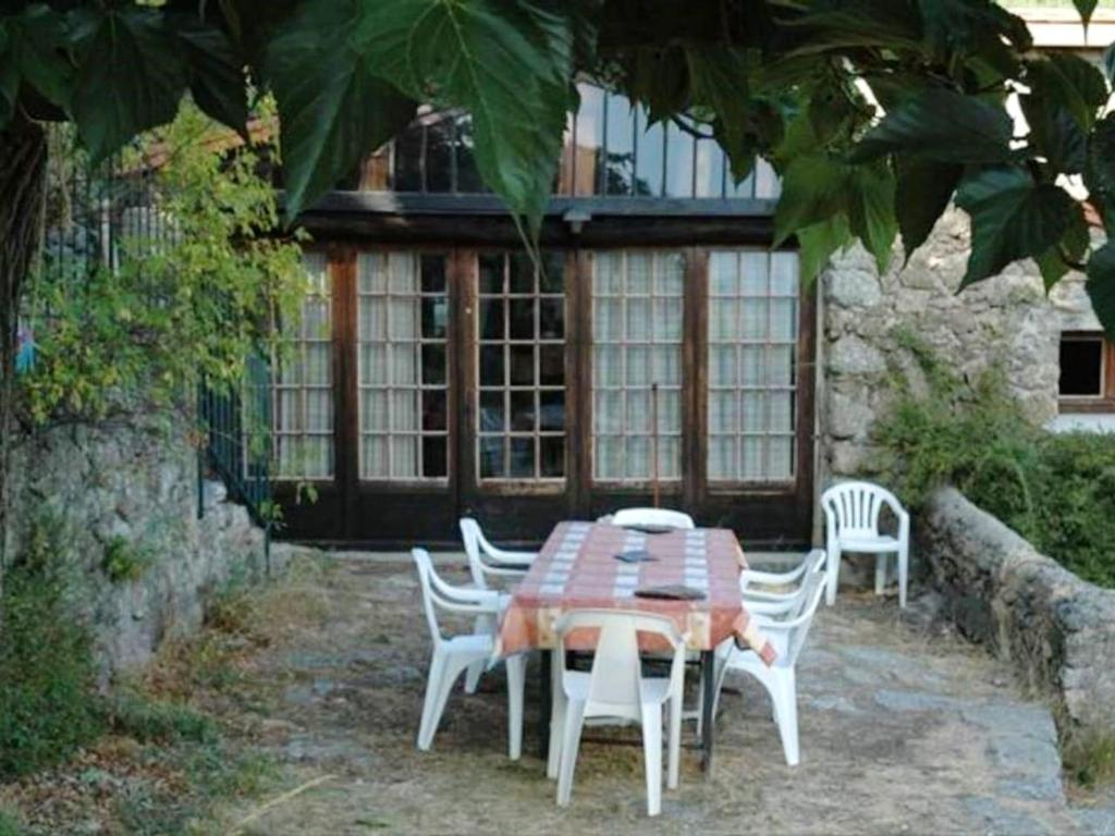 Apartment with 2 bedrooms in Valleraugue with wonderful mountain view and furnished terrace
