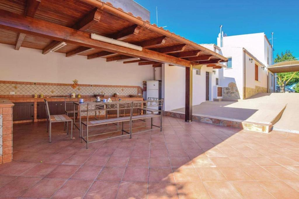 Villa with 3 bedrooms in Partanna with shared pool enclosed garden and WiFi 18 km from the beach