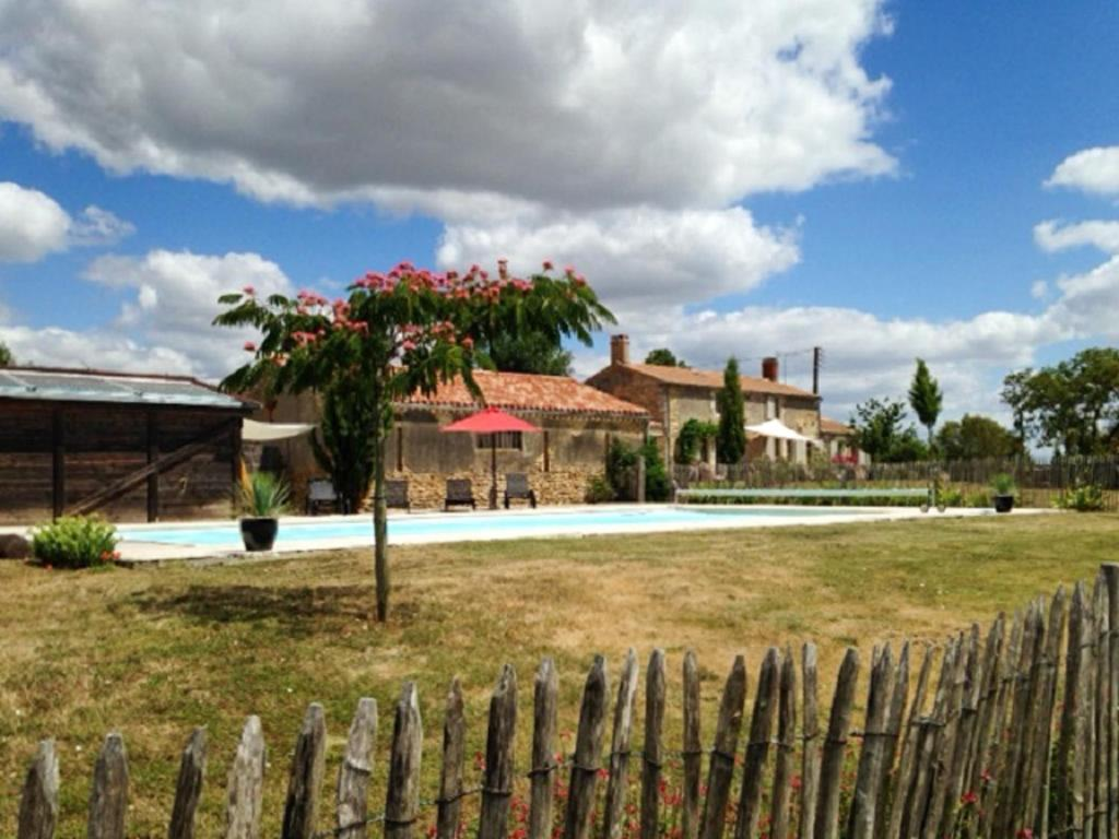 Villa with 5 bedrooms in SaintCyrenTalmondais with private pool and furnished garden 15 km from the beach