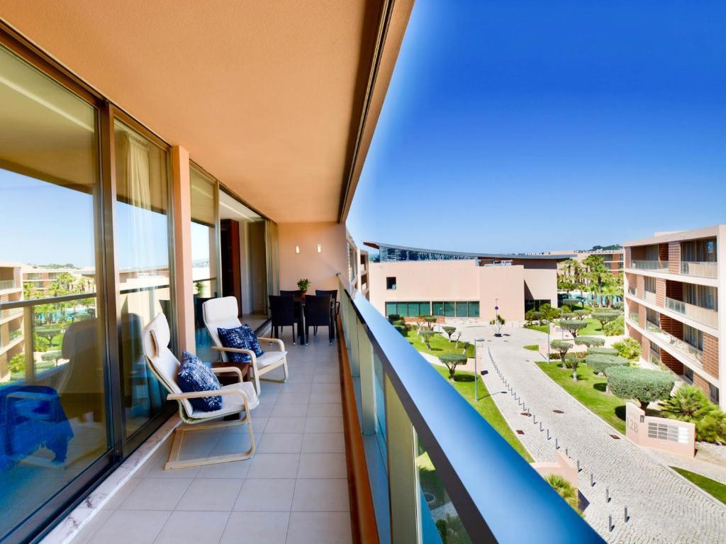 A balcony or terrace at Apartment Rua da Boca da Alagoa