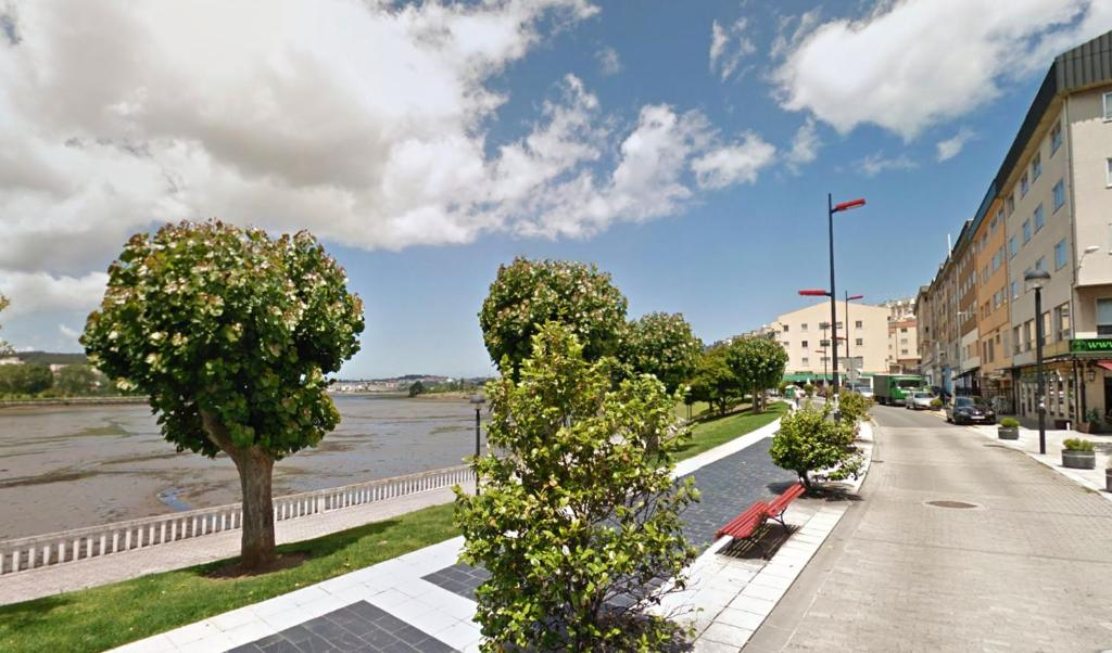 Apartment with 3 bedrooms in Cambre with wonderful sea view and balcony 5 km from the beach
