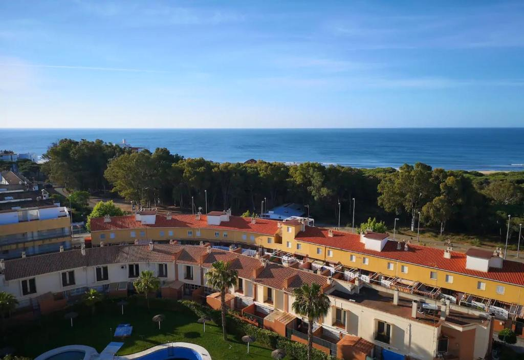 A bird's-eye view of Apartment with 2 bedrooms in Isla Cristina with WiFi 300 m from the beach