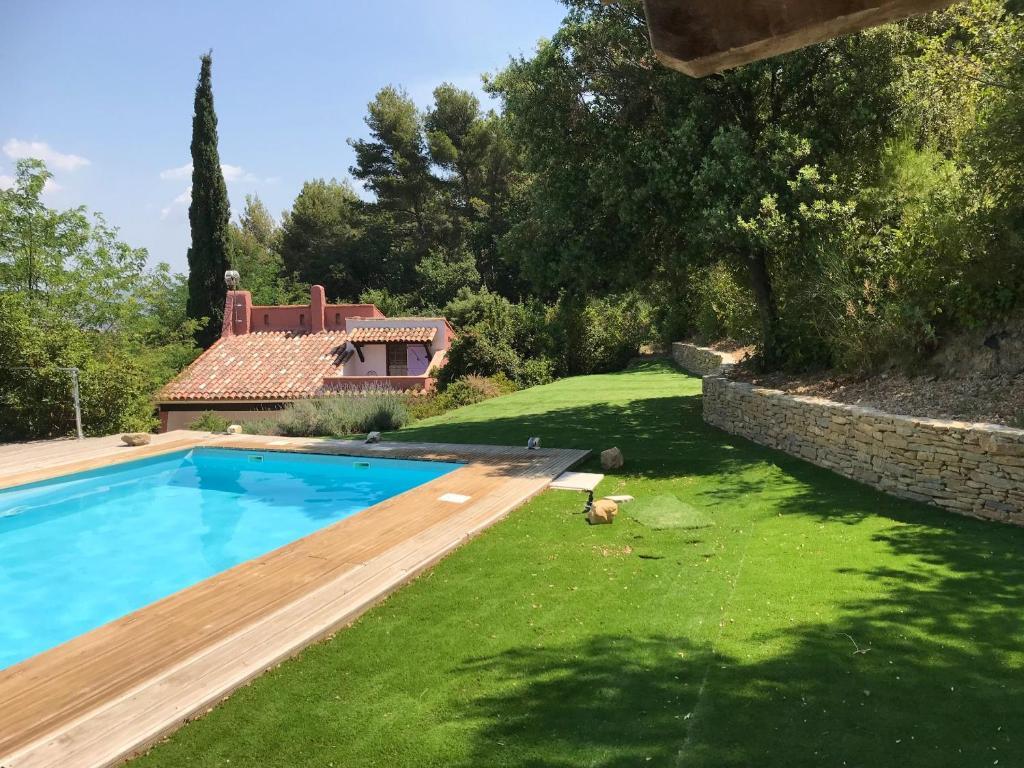 Villa with 3 bedrooms in La Cadiered