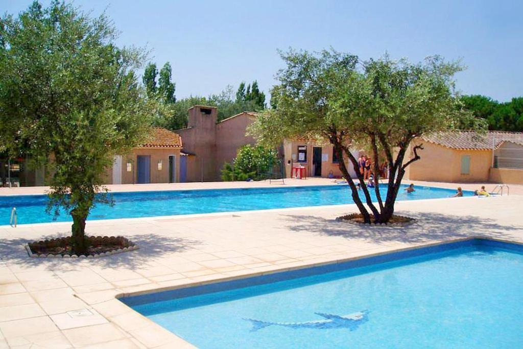 House with 3 bedrooms in Creissan with shared pool and WiFi 30 km from the beach