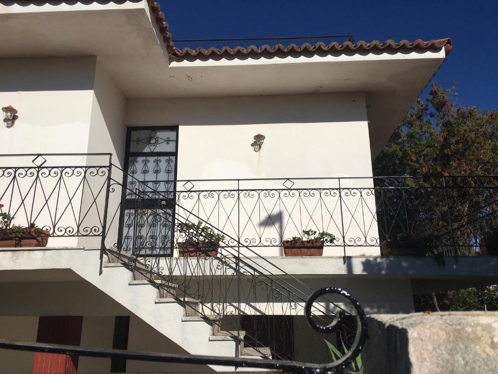 Villa Pelorias