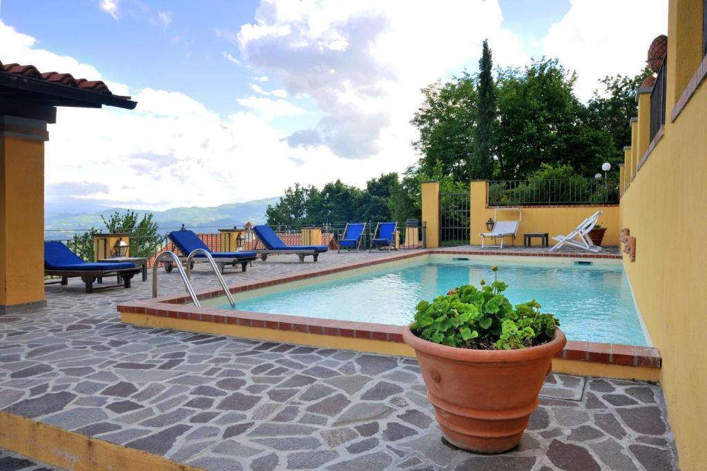 House with 2 bedrooms in Gattaia with shared pool enclosed garden and WiFi