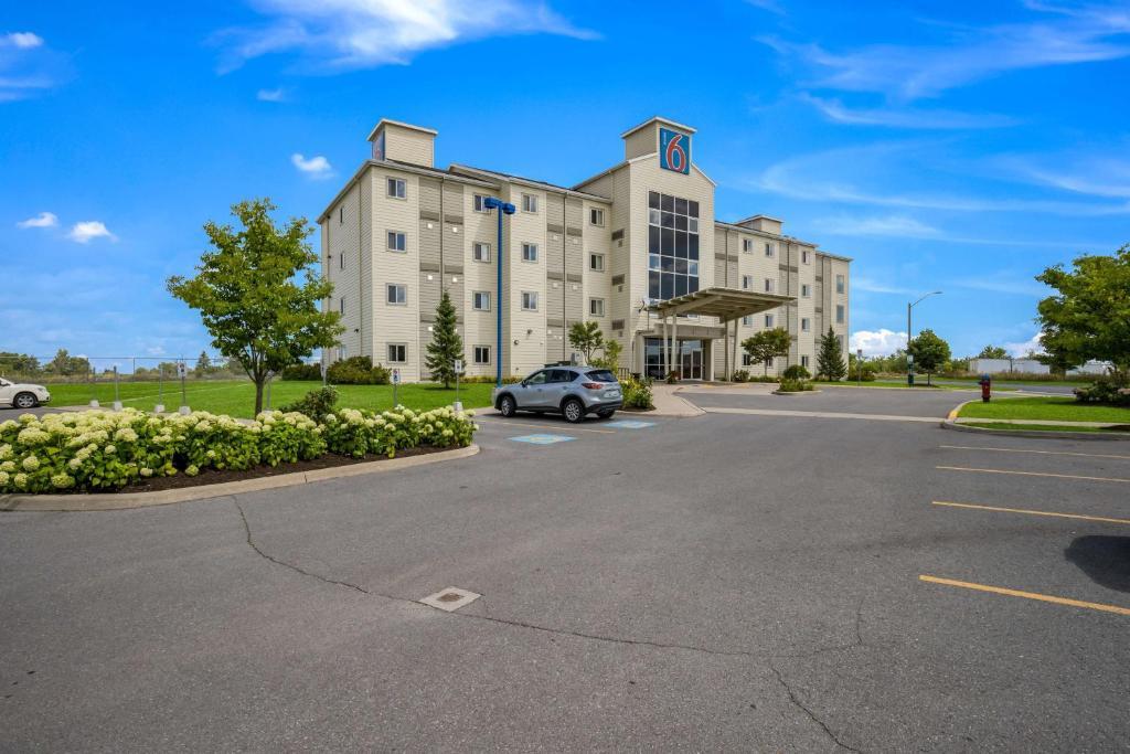 Motel 6-Kingston, ON