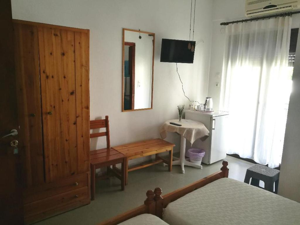 Μια τηλεόραση ή/και κέντρο ψυχαγωγίας στο Hotel Rena