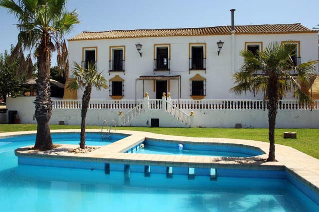 Villa with 6 bedrooms in Alcala de Guadaira with wonderful city view private pool enclosed garden 90 km from the beach