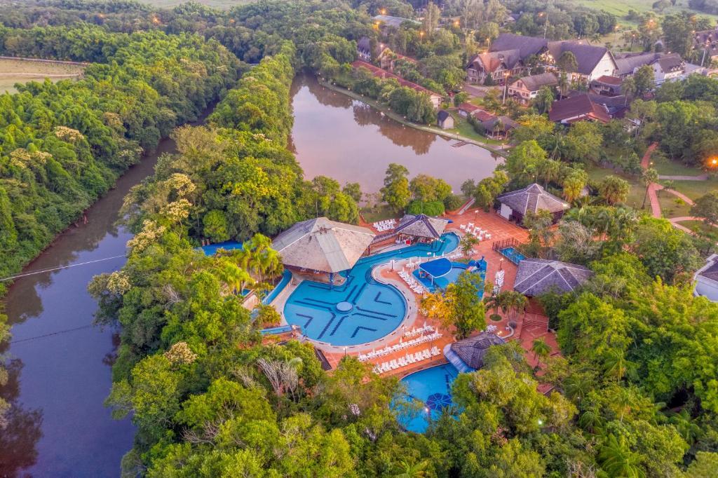 A bird's-eye view of Lagos de Jurema Termas Resort