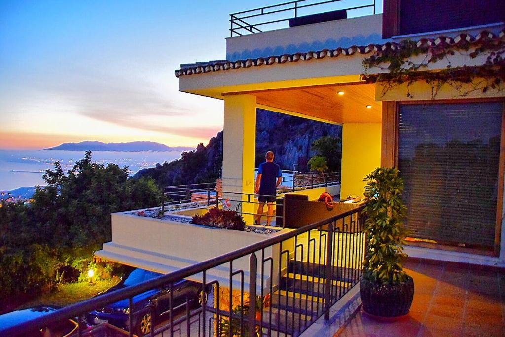 Вилла в малаге недвижимость в черногории объявления