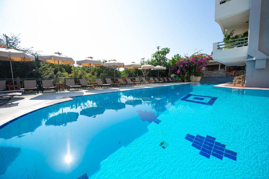 Πισίνα στο ή κοντά στο Saga Hotel