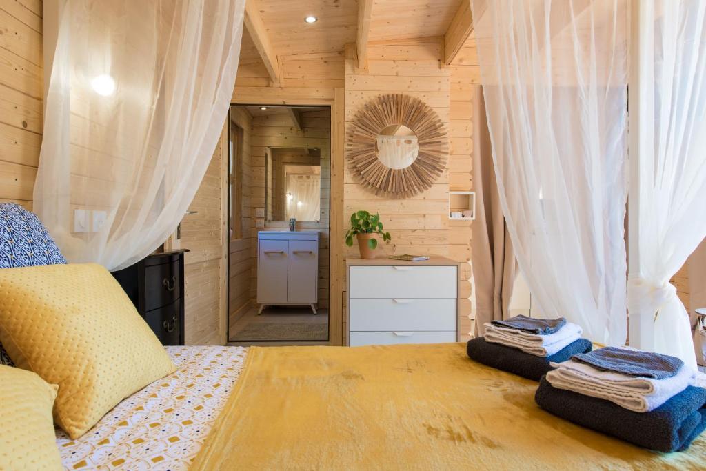 Un ou plusieurs lits dans un hébergement de l'établissement Le Petit Flo