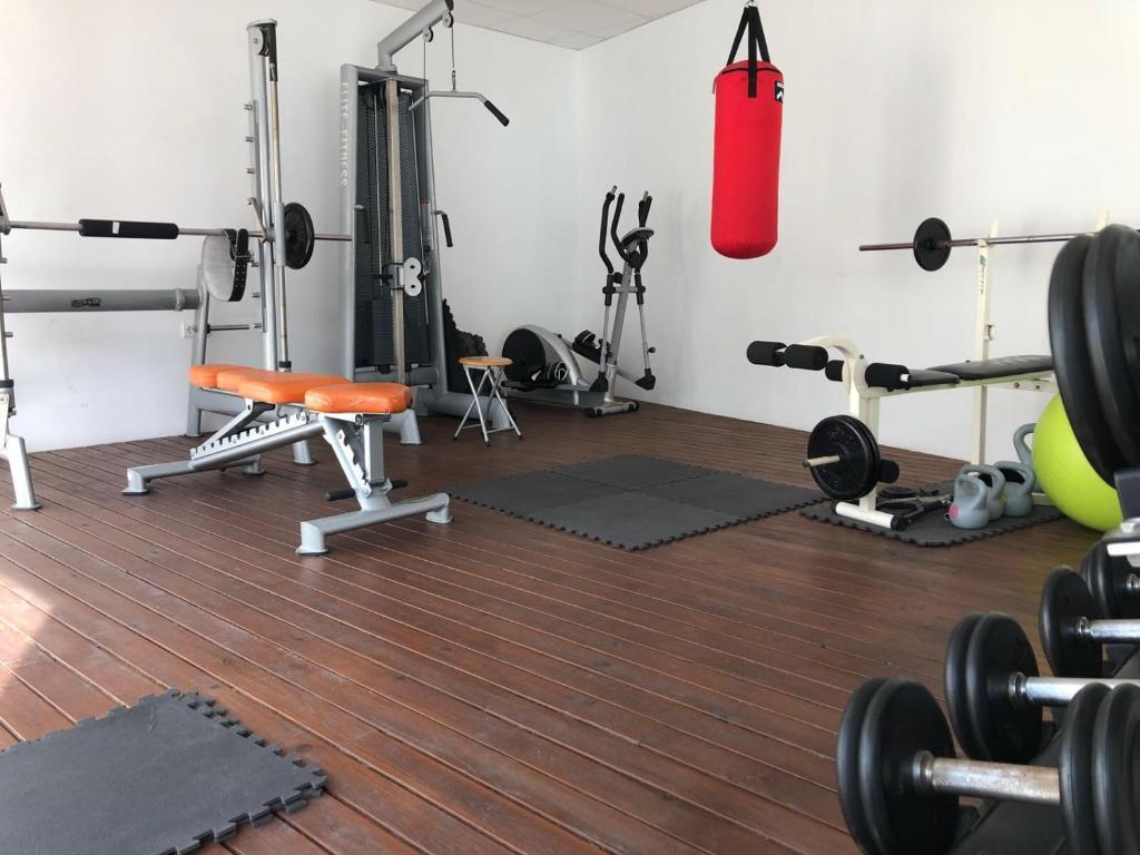 The fitness center and/or fitness facilities at Hotel L'Algadir del Delta