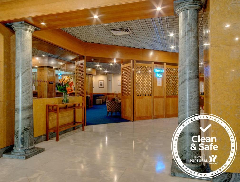El vestíbulo o zona de recepción de VIP Inn Berna Hotel