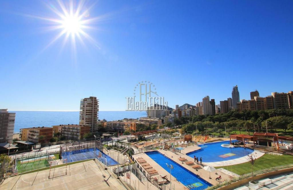 Brand new luxury apartment in second line of beach with sea views in Benidorm - (Ref: 1121-V) 1