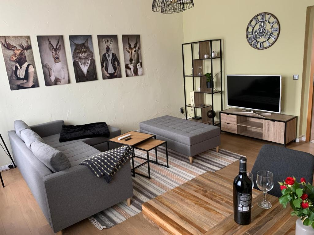 Ein Sitzbereich in der Unterkunft Neu! Stylisches CityApartment mit Netflix,Prime,Parkplatz,BHFnahe