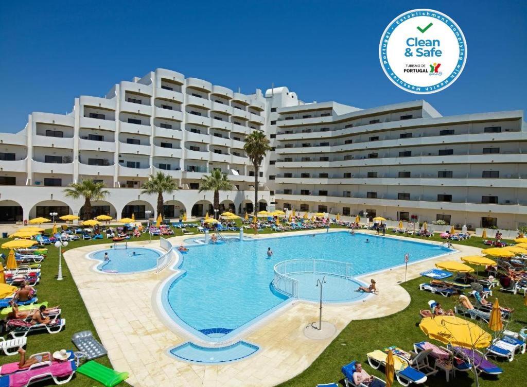 Het zwembad bij of vlak bij Hotel Apartamento Brisa Sol