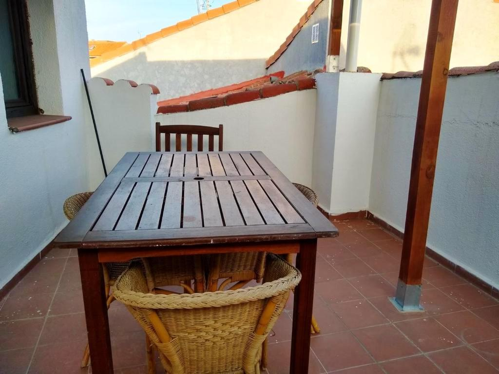 Apartment with 2 bedrooms in San Martin de Valdeiglesias with wonderful mountain view and furnished terrace