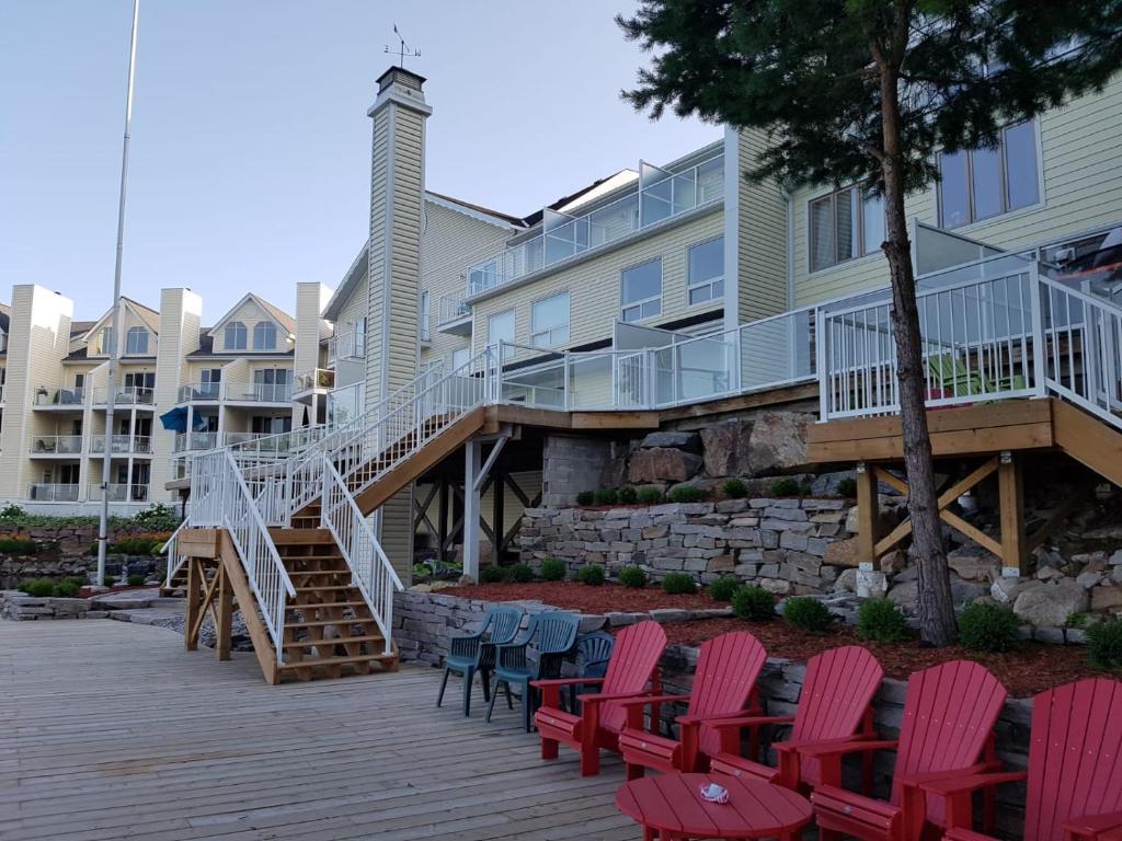 Muskoka Lakes Hotel