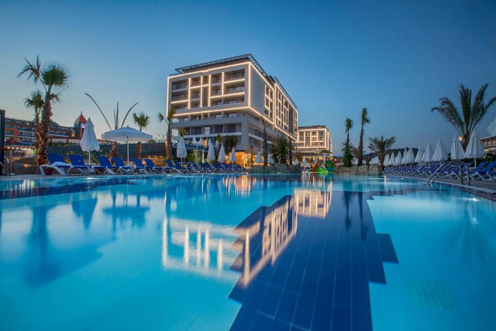 Бассейн в Numa Bay Exclusive Hotel - Ultra All Inclusive или поблизости